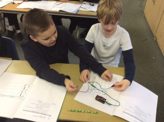 Y4 are making circuits!